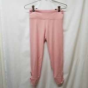 Victoria Sport- Pink Cropped Leggings